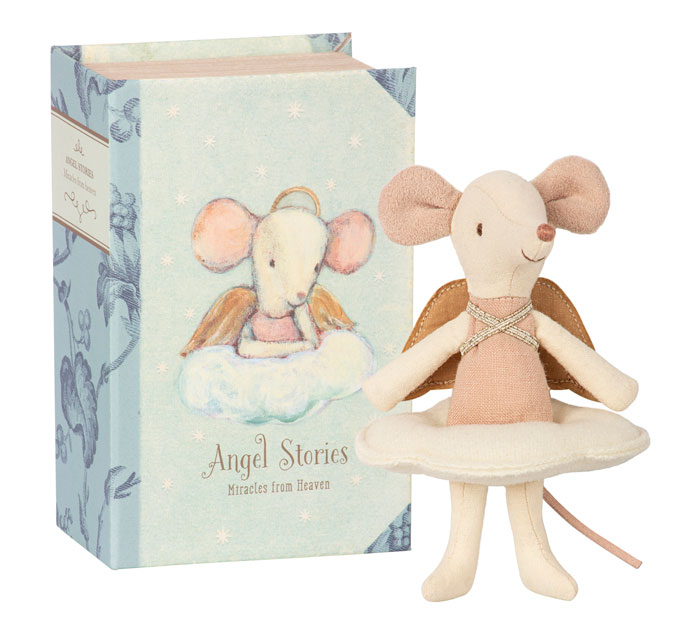 8865: Guardian Angel Mouse with Book (Product Detail)