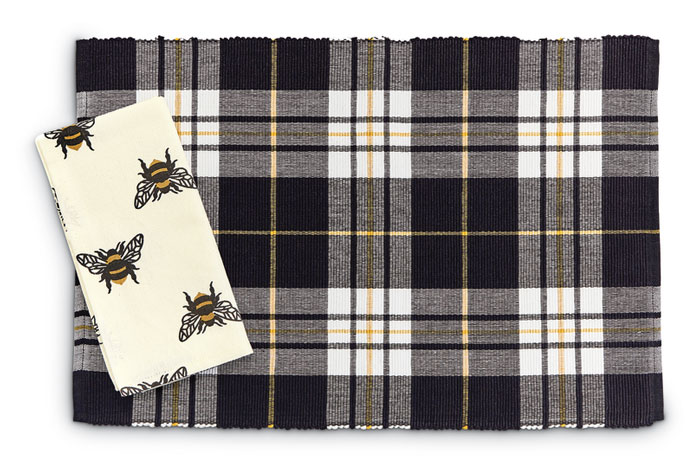 9264: Bumblebee Napkins (Set of Four) (Product Detail)