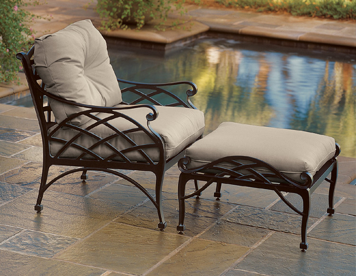 1509: Drayton Lounge Chair (Product Detail)