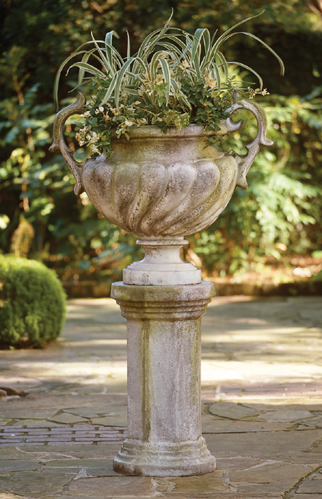 2831: Grand Handle Urn (Product Detail)