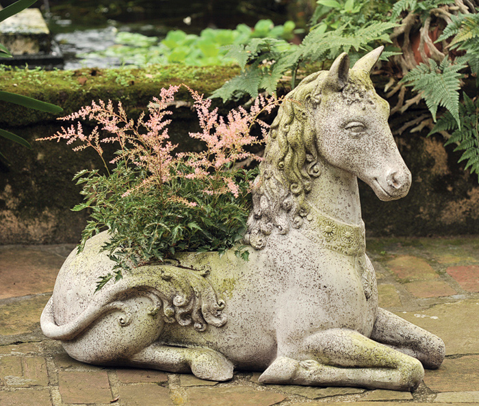 7022: Fantasy Horse Planter (Product Detail)