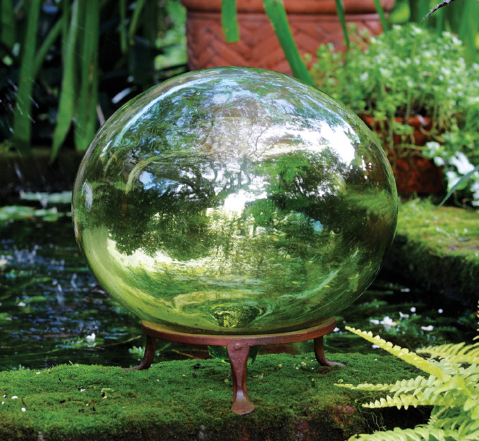 7044: Green Glass Globe (Product Detail)