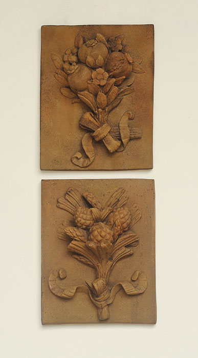 1439: Pomegranate and Pine Cone Plaques (Set of Two) (Product Detail)
