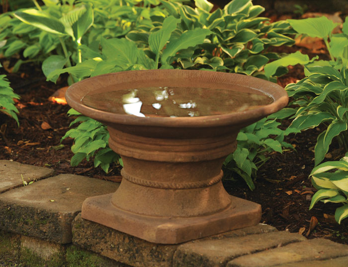 6973: Fairfield Birdbath/Rust (Product Detail)