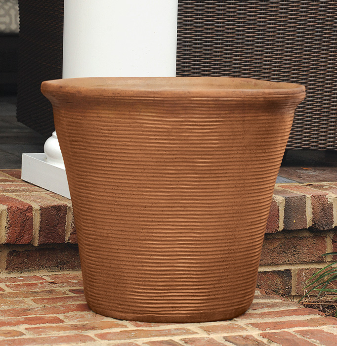 7763: Ribbed Planter - Rust (Product Detail)