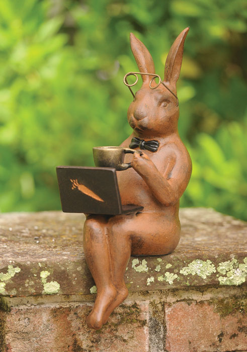 9961: Rabbit with Laptop (Product Detail)