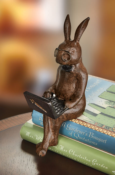 9992: Rabbit with Laptop Shelf Sitter (Product Detail)